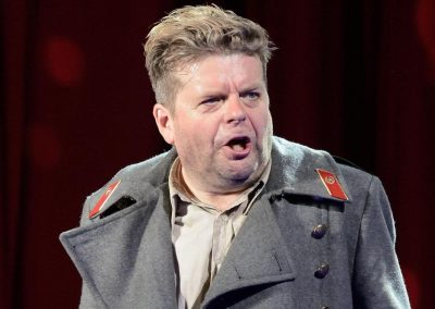 Tenor Peter Hoare laments mound of paperwork to perform in Barcelona